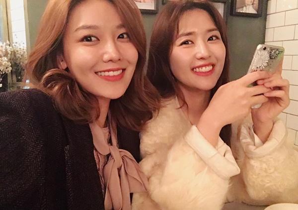 sao-han-8-1-yoon-ah-dang-thon-quyen-ru-tae-yeon-mat-tre-con-8