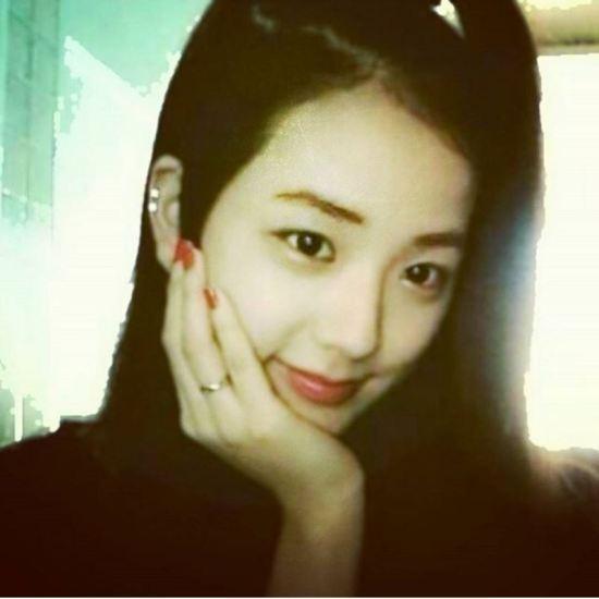 ji-soo-black-pink-tung-suyt-gia-nhap-red-velvet-8