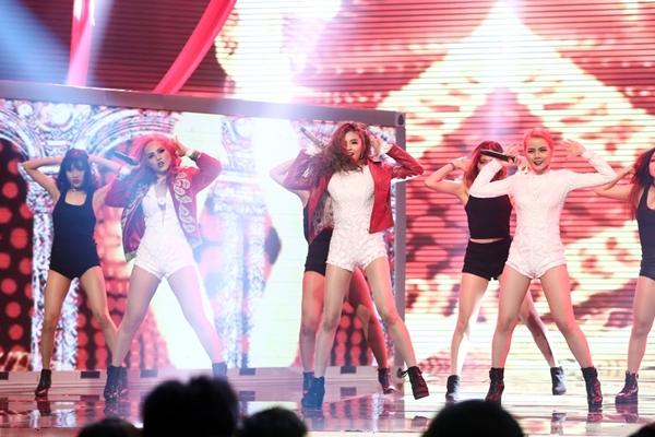 yen-trang-lieu-linh-nga-tu-do-cao-2m-danh-bai-s-girls-tai-vong-1-the-remix-10