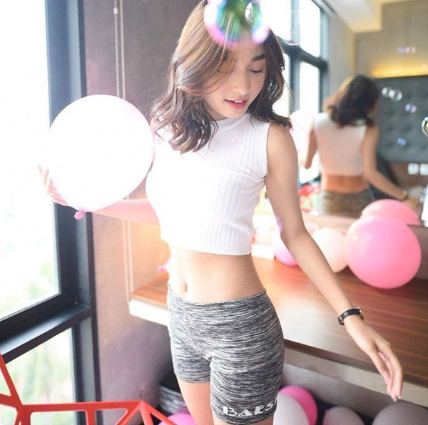 hot-girl-philippines-19-tuoi-mat-xinh-dang-dep-hon-hoa-hau-10