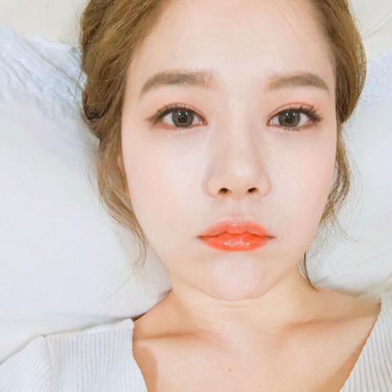5-mot-keo-ngot-quay-lai-danh-bat-xu-huong-makeup-kieu-tay-2