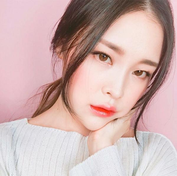 5-mot-keo-ngot-quay-lai-danh-bat-xu-huong-makeup-kieu-tay-5
