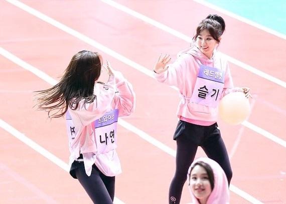 2-girlgroup-dep-deu-nhat-kpop-chung-minh-tinh-ban-than-thiet-1