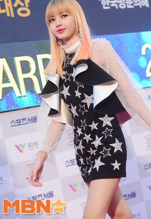seoul-music-awards-loat-idol-nu-kho-so-che-chan-vi-vay-ngan-8