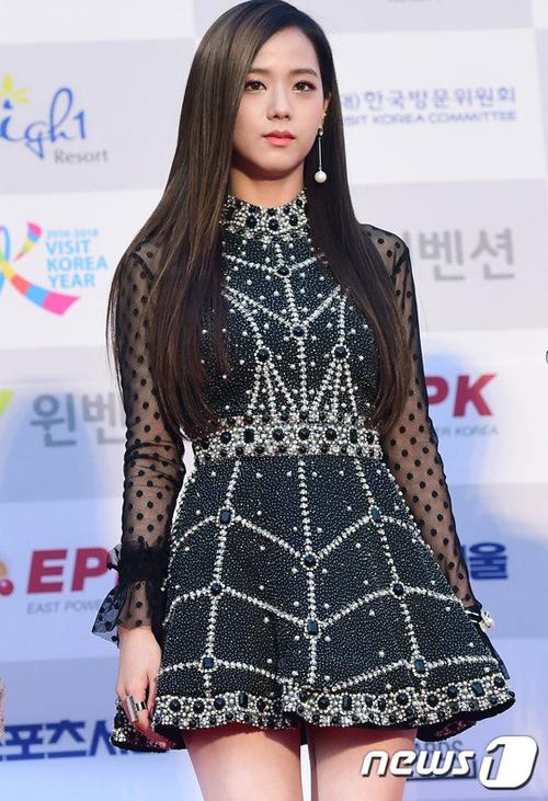 seoul-music-awards-loat-idol-nu-kho-so-che-chan-vi-vay-ngan-10