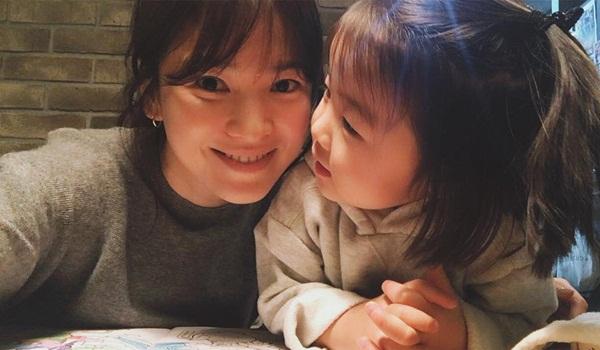sao-han-19-1-tae-yeon-ven-ao-khoe-eo-thon-lee-min-ho-biu-moi-cute-4