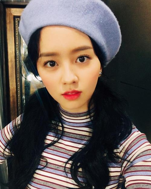 sao-han-19-1-tae-yeon-ven-ao-khoe-eo-thon-lee-min-ho-biu-moi-cute-3