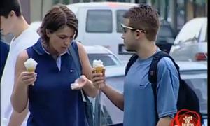 Clip troll: Khi thùng kem bị tráo bằng thùng Mayonaise