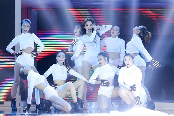 huong-giang-idol-thang-ap-dao-tim-tai-vong-1-the-remix-6