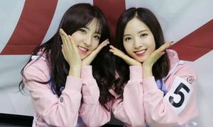 Loạt thần tượng Kpop khoe sắc rạng rỡ tại show thể thao mùa xuân