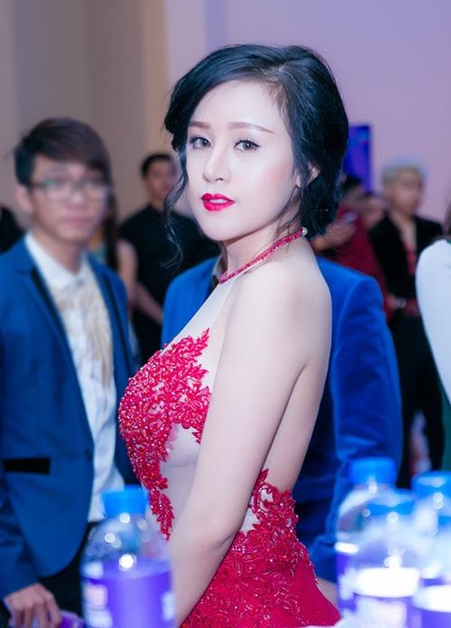 5-hot-girl-viet-cung-tuoi-ga-nhung-phong-cach-trai-nguoc-8