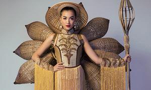Lệ Hằng chọn bộ quốc phục lạ mắt nhất từ trước đến nay thi Miss Universe