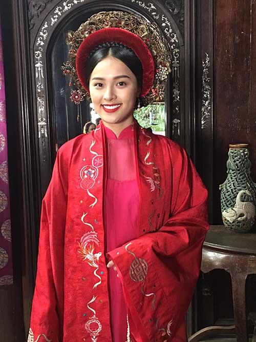 Hạ Vi đóng vai Tấm trong bộ phim Tấm Cám.