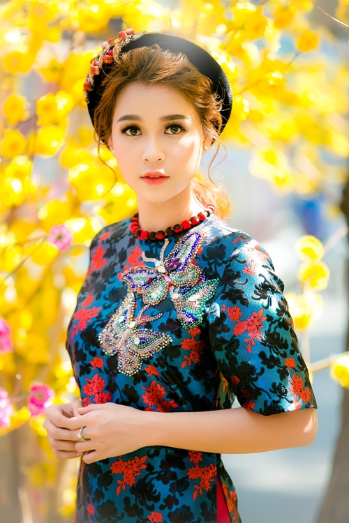 hot-girl-sam-khong-co-thoi-gian-hen-ho-vi-lich-di-phim-day-dac