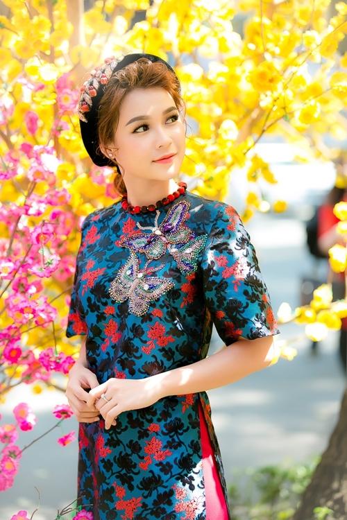 hot-girl-sam-khong-co-thoi-gian-hen-ho-vi-lich-di-phim-day-dac-1