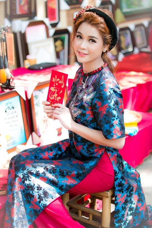hot-girl-sam-khong-co-thoi-gian-hen-ho-vi-lich-di-phim-day-dac-2