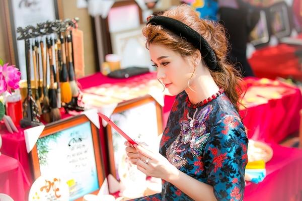 hot-girl-sam-khong-co-thoi-gian-hen-ho-vi-lich-di-phim-day-dac-3