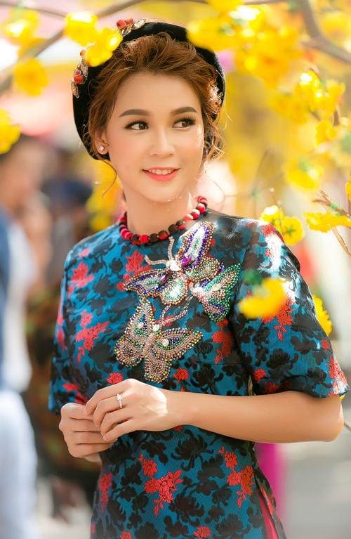 hot-girl-sam-khong-co-thoi-gian-hen-ho-vi-lich-di-phim-day-dac-4