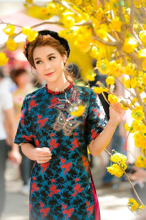 hot-girl-sam-khong-co-thoi-gian-hen-ho-vi-lich-di-phim-day-dac-5