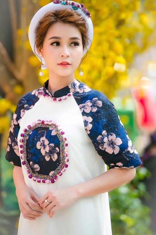 hot-girl-sam-khong-co-thoi-gian-hen-ho-vi-lich-di-phim-day-dac-6