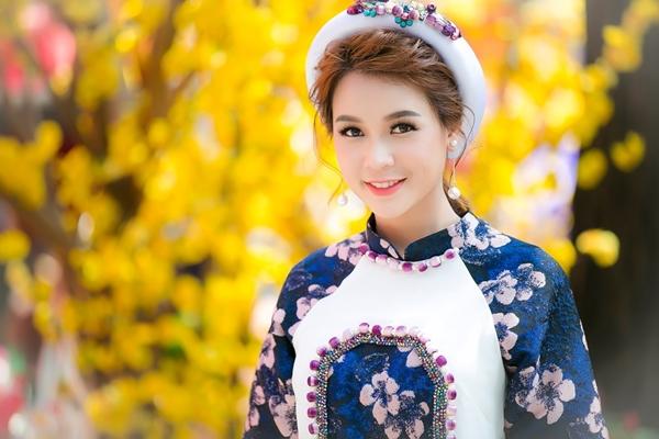 hot-girl-sam-khong-co-thoi-gian-hen-ho-vi-lich-di-phim-day-dac-7