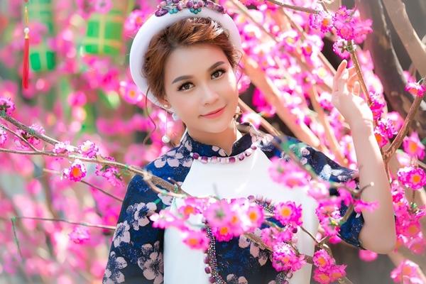 hot-girl-sam-khong-co-thoi-gian-hen-ho-vi-lich-di-phim-day-dac-9
