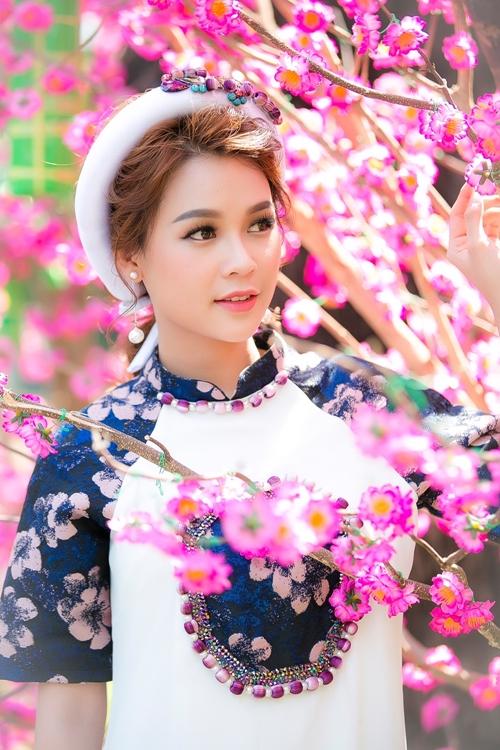 hot-girl-sam-khong-co-thoi-gian-hen-ho-vi-lich-di-phim-day-dac-11