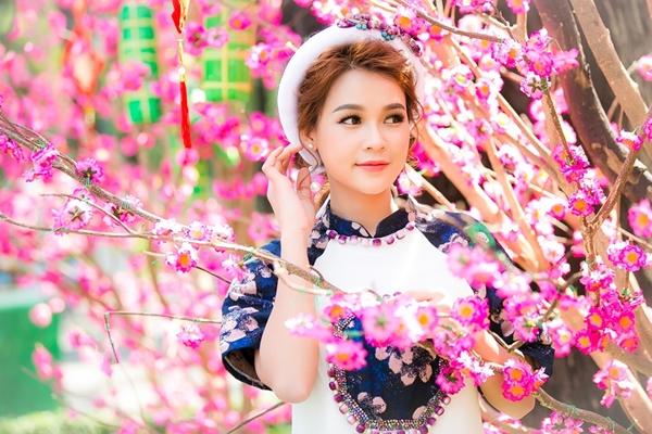 hot-girl-sam-khong-co-thoi-gian-hen-ho-vi-lich-di-phim-day-dac-10