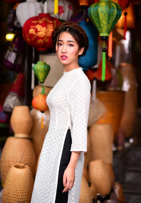 dj-trang-moon-xung-xinh-ao-dai-dao-pho-xuan-3