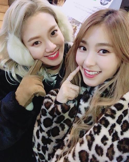 sao-han-31-1-hyo-min-dung-tay-che-mat-moc-jae-joong-da-trang-nhu-phat-sang-2