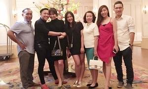 Ảnh gia đình quây quần của sao Việt ngày Tết