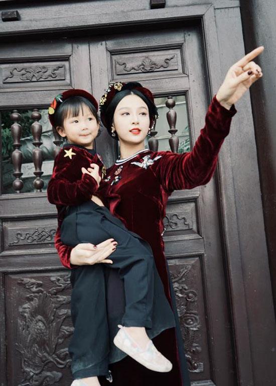 sao-viet-2-2-ngoc-trinh-tai-xuat-sau-scandal-chi-pu-lam-tho-to-tinh-voi-gil-le-4