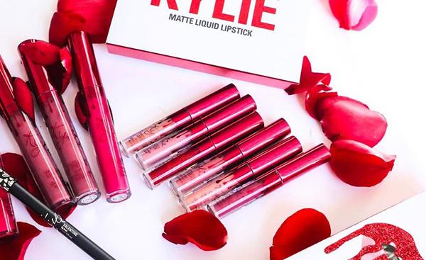 bst-my-phm-valentine-cua-kylie-jenner-vua-len-ke-da-chay-hang