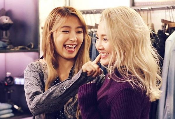 sao-han-3-2-soo-young-khoe-chan-thon-goi-cam-hyo-min-bieu-cam-do-nhu-tuong-4