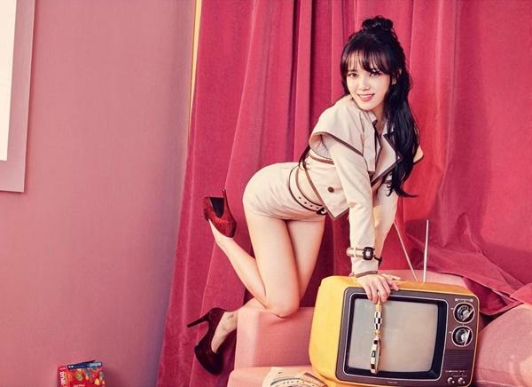 sao-han-5-2-hyun-ah-khac-la-voi-xi-tai-banh-beo-cl-xe-nguc-sau-hut-3