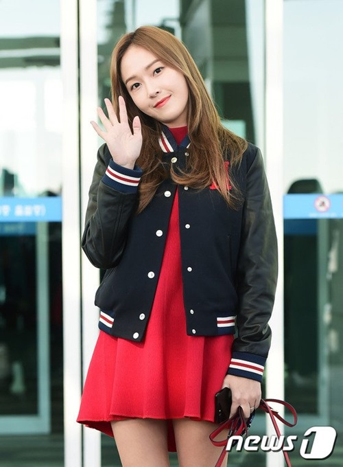 jessica-hoi-teen-voi-style-nu-sinh-soo-young-chat-lu-o-san-bay-2