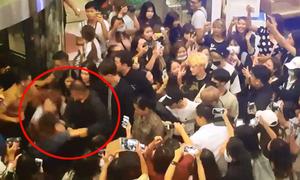 Fan quá khích bị đẩy ngã thô bạo khi muốn tiếp cận NCT U