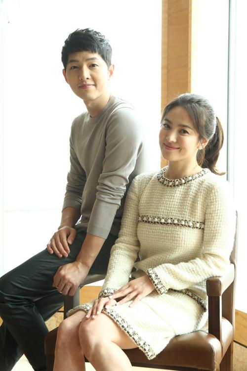 netizen-se-mo-tiec-an-mung-neu-nhung-cap-doi-nay-ve-mot-nha-nam-2017-1