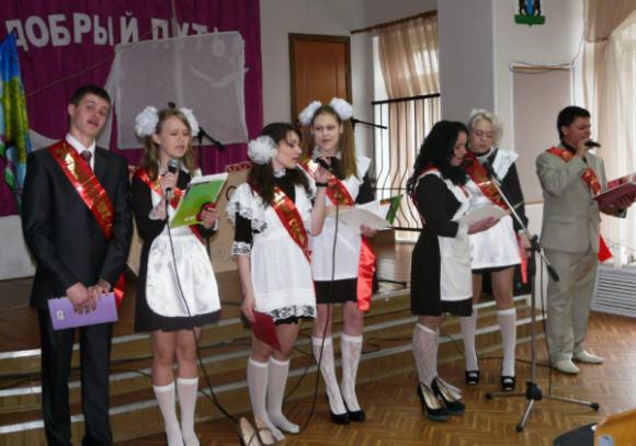theo-doi-girlgroup-nay-ban-co-the-biet-duoc-dong-phuc-cua-nu-sinh-5-nuoc-1
