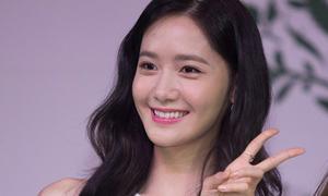 Yoon Ah (SNSD) đến trễ, rời nhanh họp báo tại Việt Nam