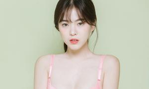 Mẫu nội y xứ Hàn mặt ngây thơ, body bốc lửa