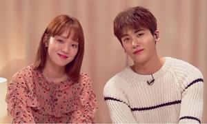 Lee Sung Kyung song ca ngọt lịm với mỹ nam Kpop