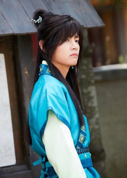 v-bts-baek-hyun-exo-idol-chi-duoc-cong-nhan-dien-xuat-khi-chet