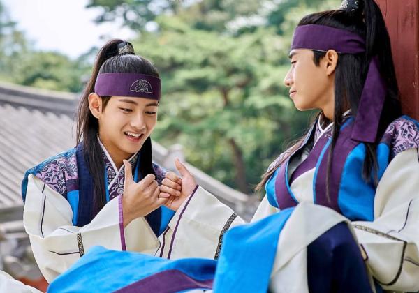 v-bts-baek-hyun-exo-idol-chi-duoc-cong-nhan-dien-xuat-khi-chet-1