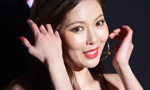 Miệng cười cứng đơ, Hyun Ah bị nghi mới 'tút tát'