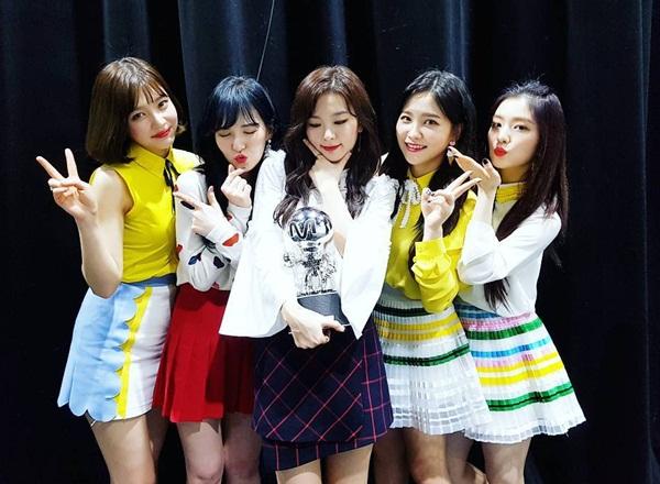 sao-han-17-2-seol-hyun-mac-vay-2-day-goi-cam-tae-yeon-khoe-dang-dong-ho-cat-7