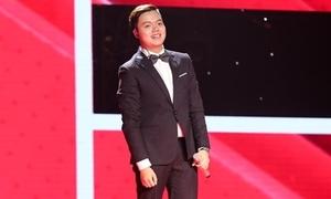 Chàng trai 18 tuổi có giọng hát hoài cổ khiến HLV The Voice nổi da gà