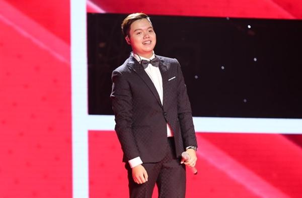 chang-trai-18-tuoi-co-giong-hat-hoai-co-khien-hlv-the-voice-noi-da-ga-1