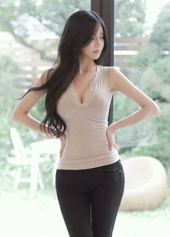 top 5 nu mc livestream xinh dep goi cam nhat dong a hinh anh 1