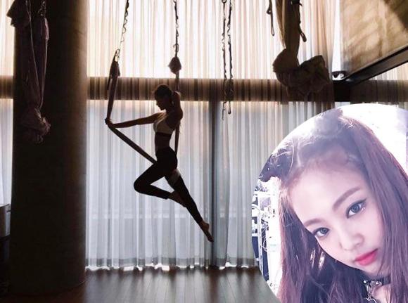 sao-han-nguoi-khoe-dang-sexy-ke-kho-so-khi-tap-yoga